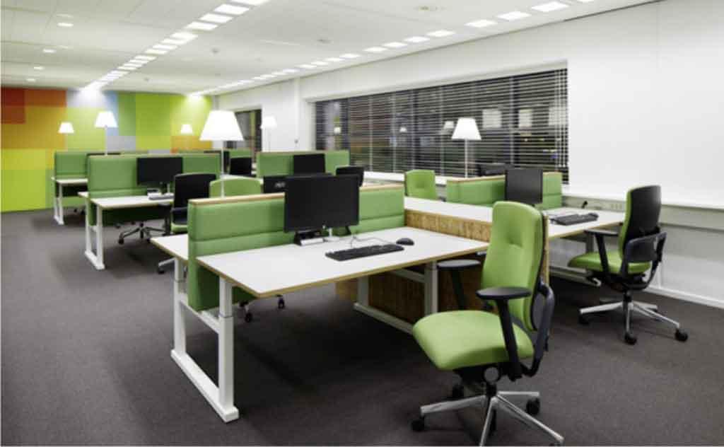 Információ az irodabútorüzlet weboldalról, főnöki fotel